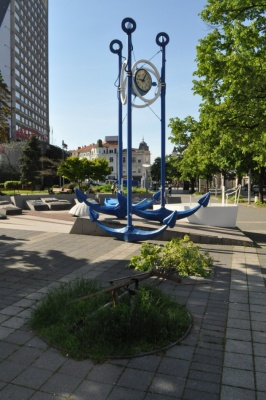 Installed bronze plastic, which tells the tourists in Burgas the history of the Clock